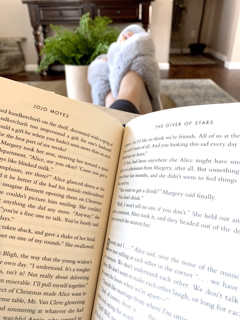 The Giver of Stars Book Review, cozy book reading