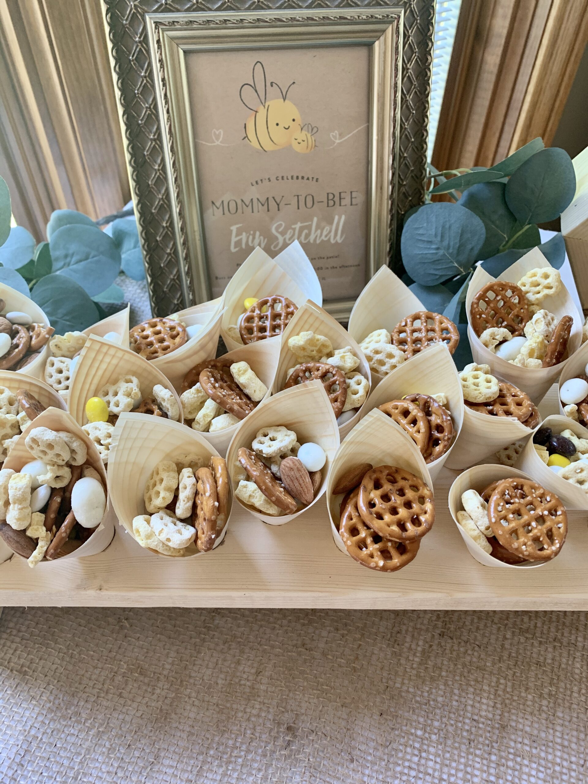 honeycomb snack mix for bee themed party