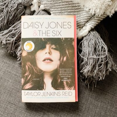 October Book Review: Daisy Jones and the Six