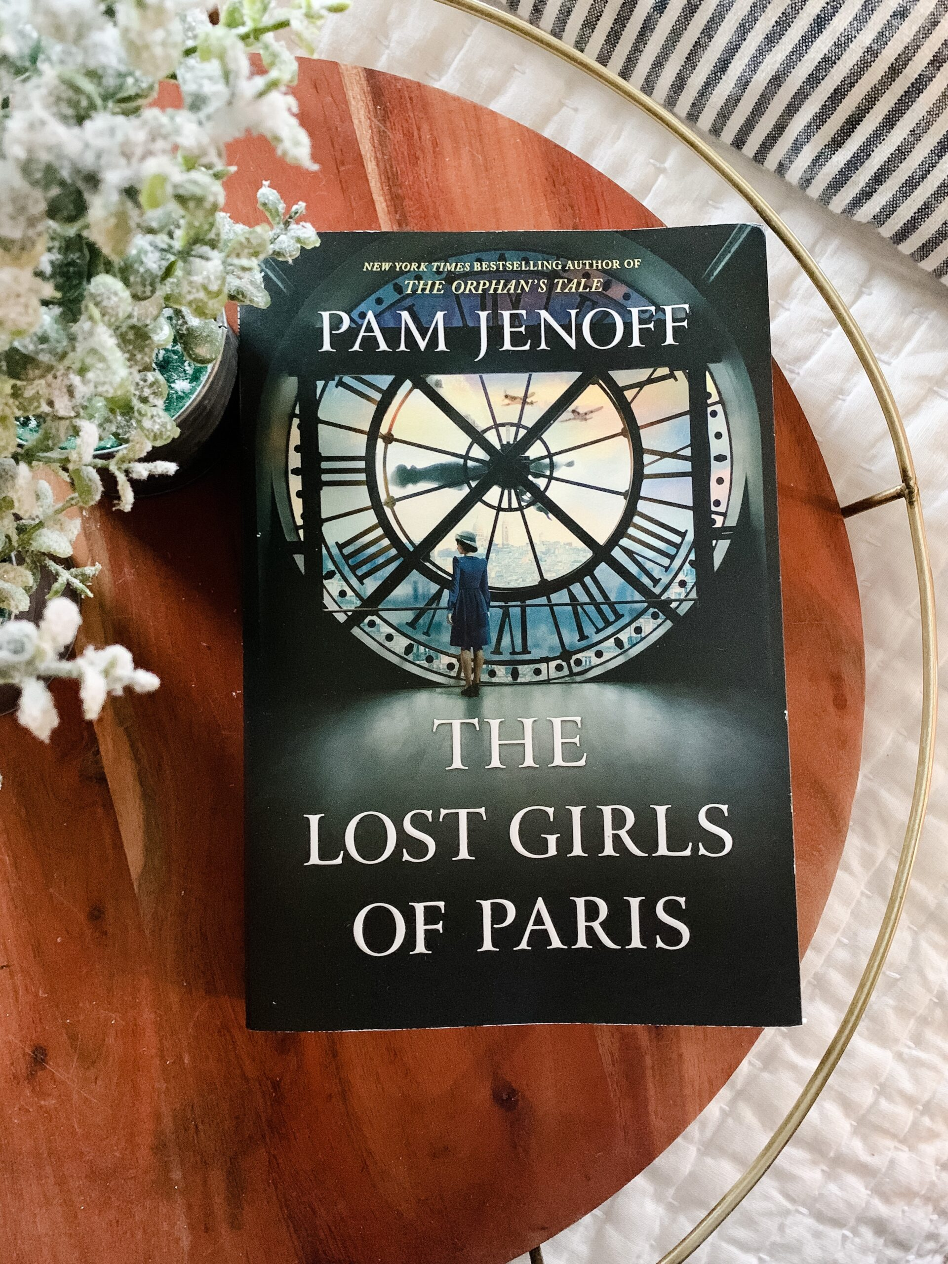 book cover for the lost girls of paris by pam jenoff